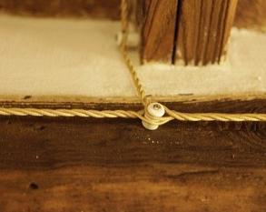 Põimitud tekstiilkaabel (3x1,5mm) sobib ka pinnapealseks kaabelduseks.