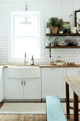 15e9d1a92af Modernse talumaja stiilis kujundatud kodus segunevad minimalism ja  rustikaalsus