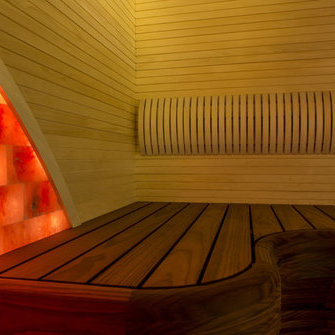 68c3490624b Valgusallikat toidab üksainus pirn projektori sees. Peenikestest  klaaskiududest moodustuvad kiudjuhtmed, mis omakorda hargnevad soovitud  kohtadeni.