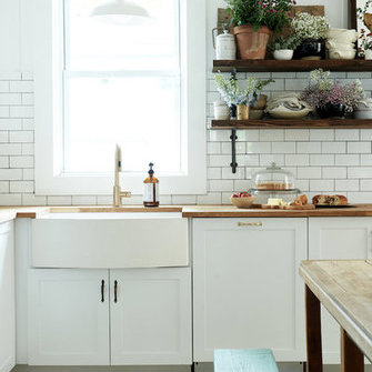 Allikas: http://www.myscandinavianhome.com/2018/01/a-dated-home-becomes-fresh-modern.html