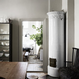 Источник: http://www.myscandinavianhome.com/2016/06/a-gothenburg-home-filled-with-treasures.html