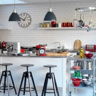 Source: http://www.housetohome.co.uk/room-idea/picture/black-and-white-kitchens-10-of-the-best?slideshow=