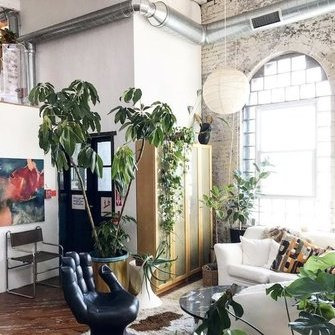 Источник: https://www.myscandinavianhome.com/2018/11/a-fabulous-vintage-inspired-loft-in.html